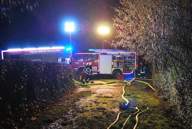 Feuerwehr Iserlohn  FW-MK: Gartenlaube im Vollbrand