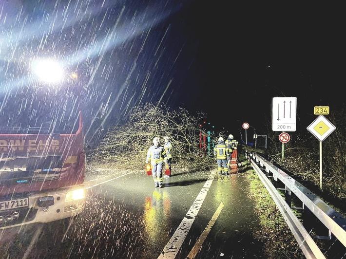 FW-EN: 28-stündiger Unwetter-Einsatz in Sprockhövel