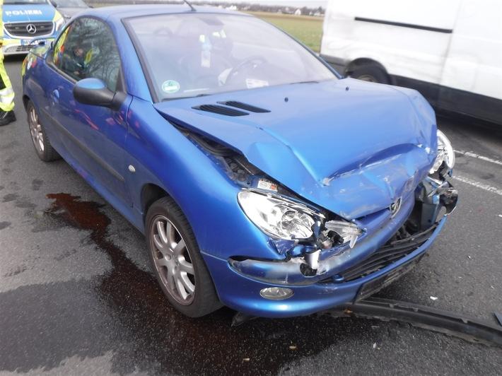 POL-DN: Auffahrunfall auf der K 27 – Fahrerin war kurz abgelenkt