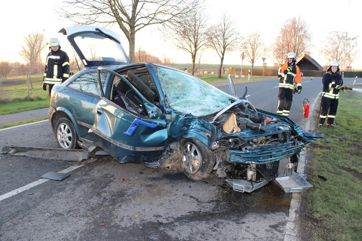 POL-DN: Unter Drogeneinfluss und mit zwei Kindern im Auto verunglückt