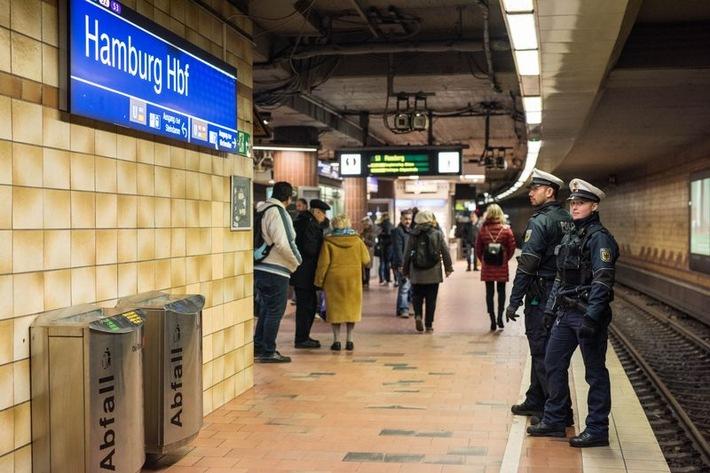 Hamburg  BPOL-HH: Personenunfall mit Todesfolge im Hamburger Hauptbahnhof-