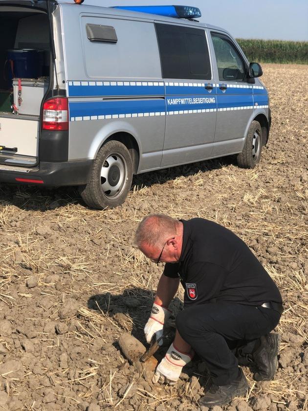 Stade  POL-STD: Sprengkörper bei Ackerarbeiten in Balje gefunden