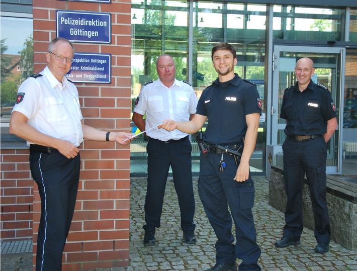 Read more about the article Göttingen: (295/2020) Großes Glück, viele stolze Kolleginnen und Kollegen und eine förmliche Anerkennung des Polizeipräsidenten – Polizeikommissar Jan Fischer rettet einjährigem Mädchen das Leben