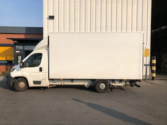 Mettmann  POL-ME: Kleinlastwagen zu 37 Prozent überladen – Langenfeld – 2008057