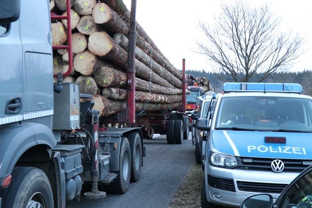 Read more about the article POL-EU: 17 Tonnen zu viel geladen – Sondereinsatz am heutigen Mittwochmorgen