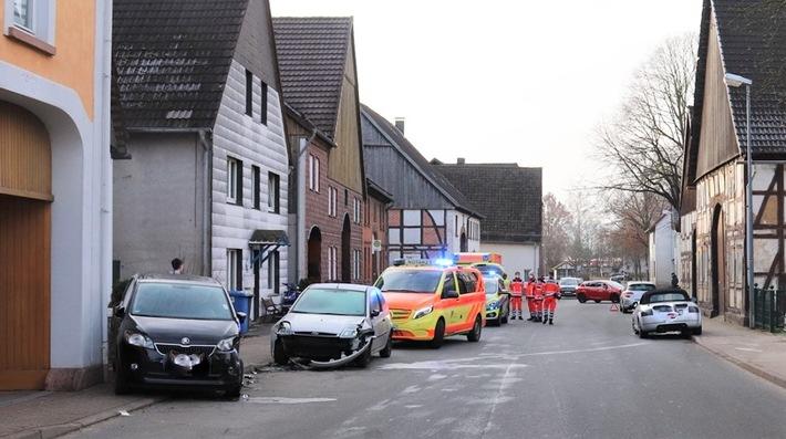 POL-HX: Hoher Sachschaden bei Unfall in Höxter-Stahle