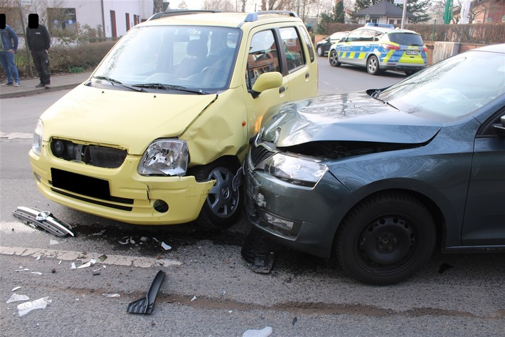Minden-Lübbecke: Autofahrerin verletzt sich bei Verkehrsunfall